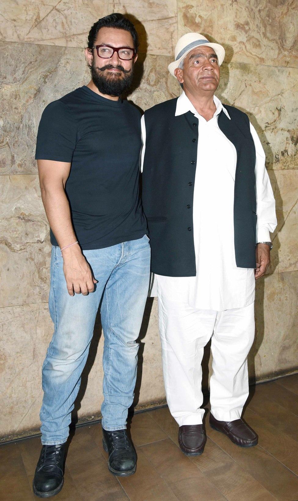 aamir khan and mahavir singh phogat