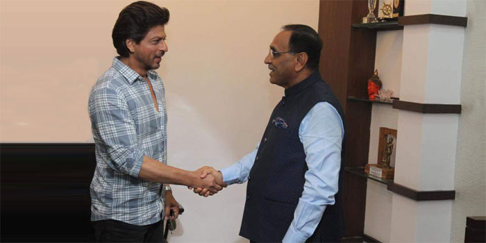 Shah Rukh Khan meets Gujarat's Chief Minister