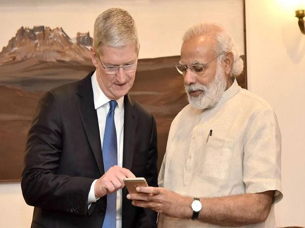 Tim Cook-Narendra Modi
