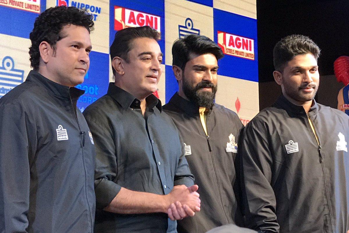 Sachin Tendulkar along with team owners