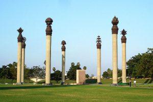 https://commons.wikimedia.org/wiki/File:Rajiv_Gandhi_Memorial_blast_site.jpg