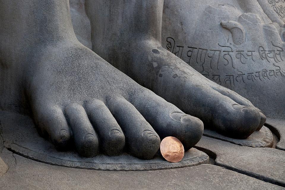 https://pixabay.com/en/bahubali-feet-shravanabelagola-719922/