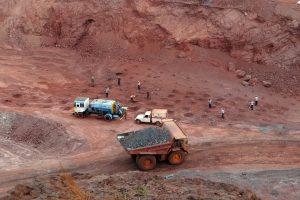 https://pixabay.com/en/mining-iron-ore-mine-transport-856003/
