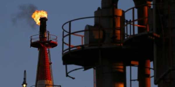 Oil Price Nears 2014 Highs As Brent Crude Hits $74.87pb
