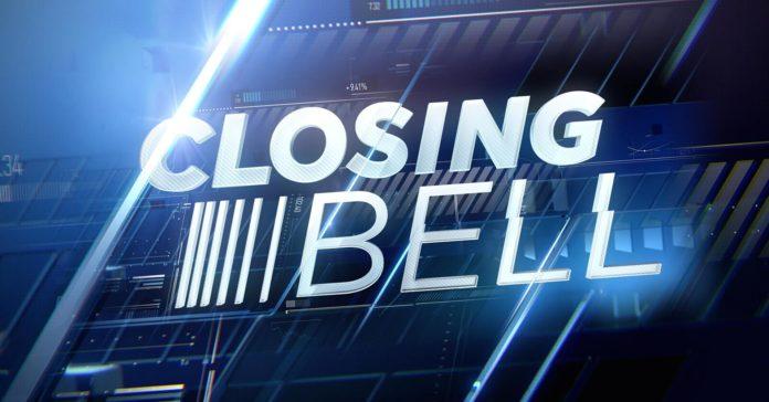 Closing_bell_D_Street.