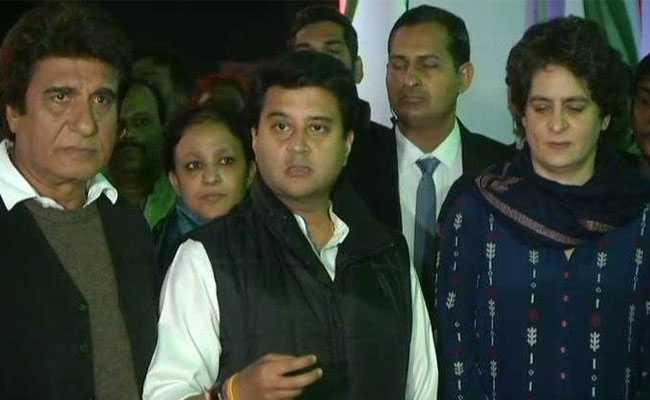 Priyanka Gandhi, Jyotiraditya Scindia and Raj Babbar hold 'Mid-Night' Meeting at Election War Room in Delhi