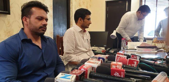 Gaurav Taneja promoting general elections 2019