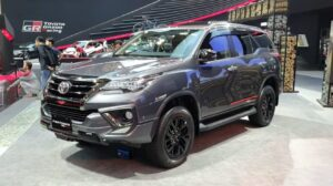 2020-Toyota-Fortuner-TRD-Sportivo-front
