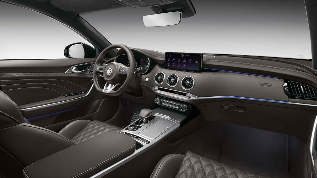 2021-Kia-Stinger-interior