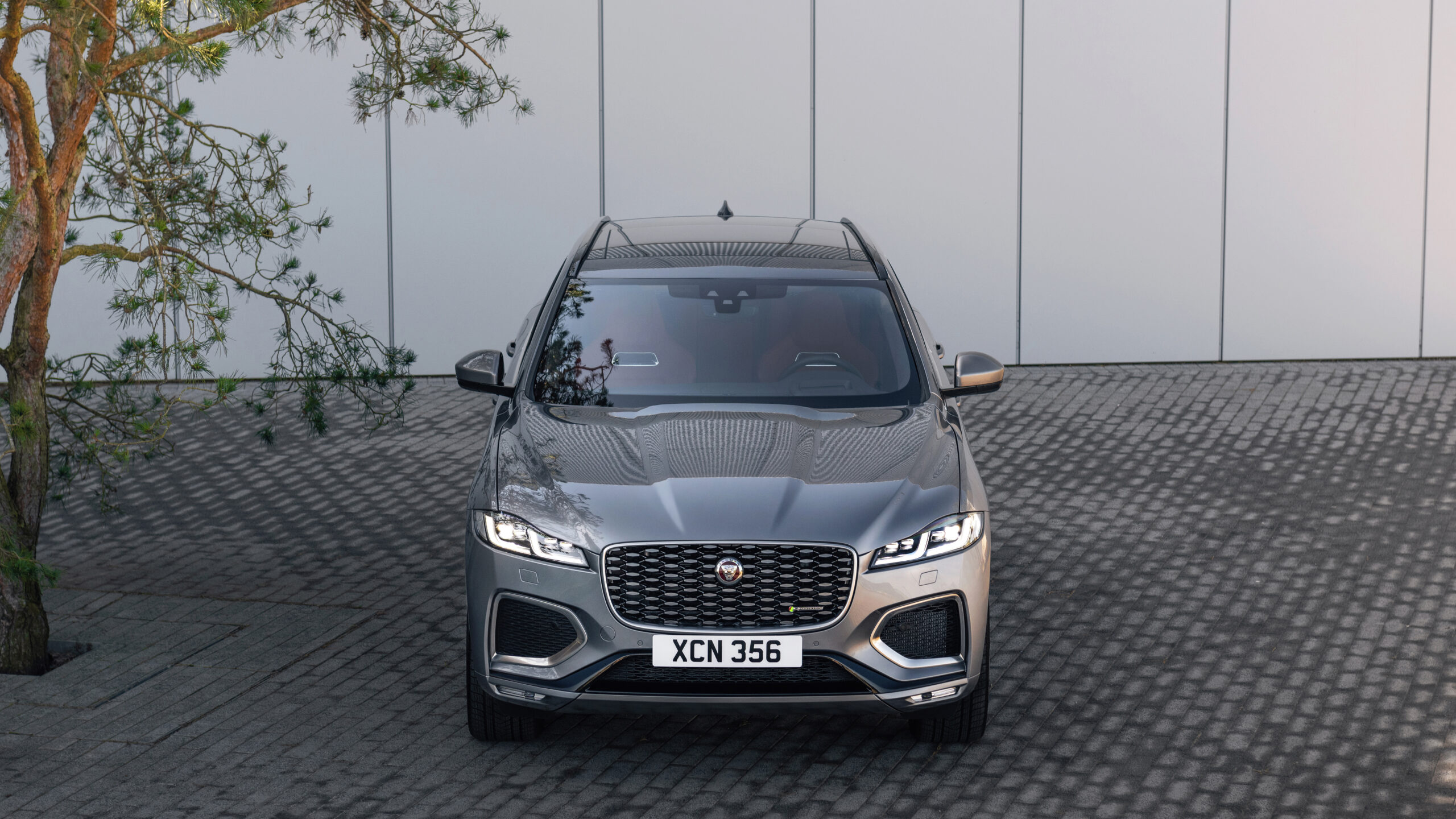 2021 Jaguar F-Pace front part