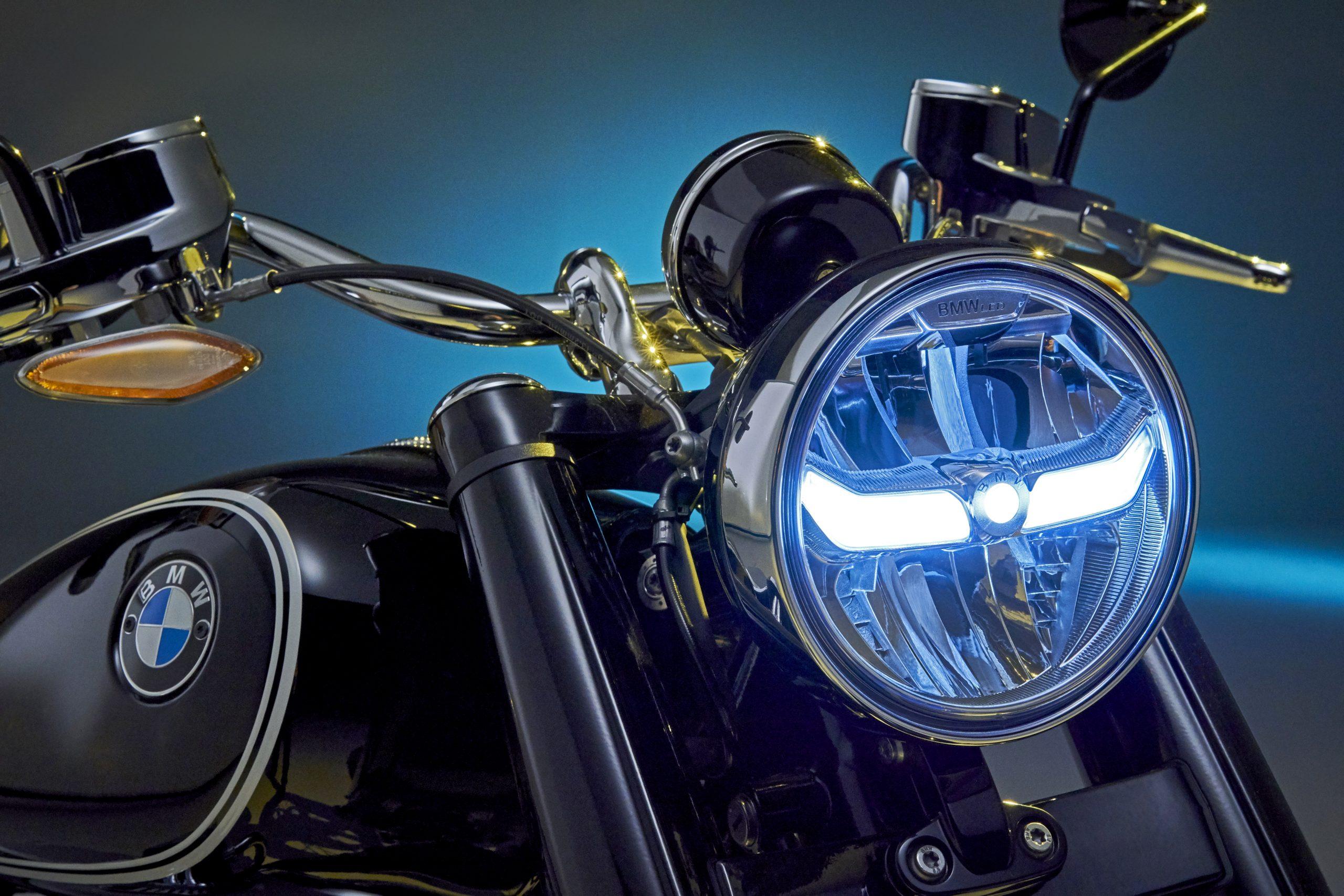 BMW R 18 headlight