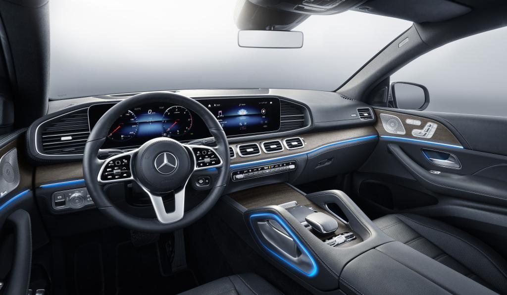 Mercedes-Benz-GLE-53-AMG-Coupe-interior