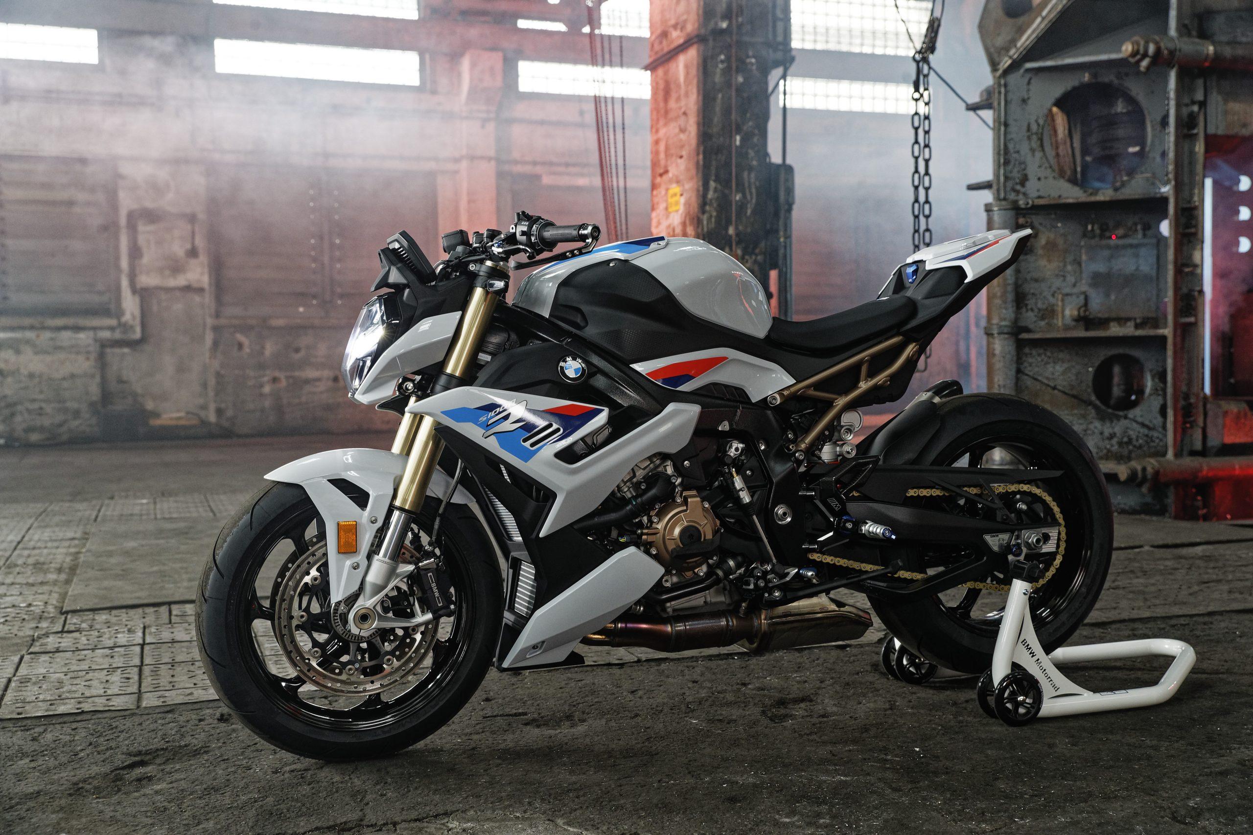 2021 BMW S1000R Side Profile