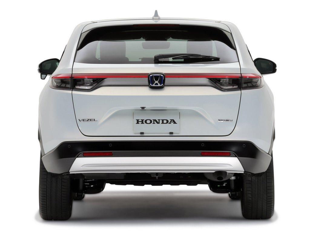 2022-Honda-HR-V-Rear