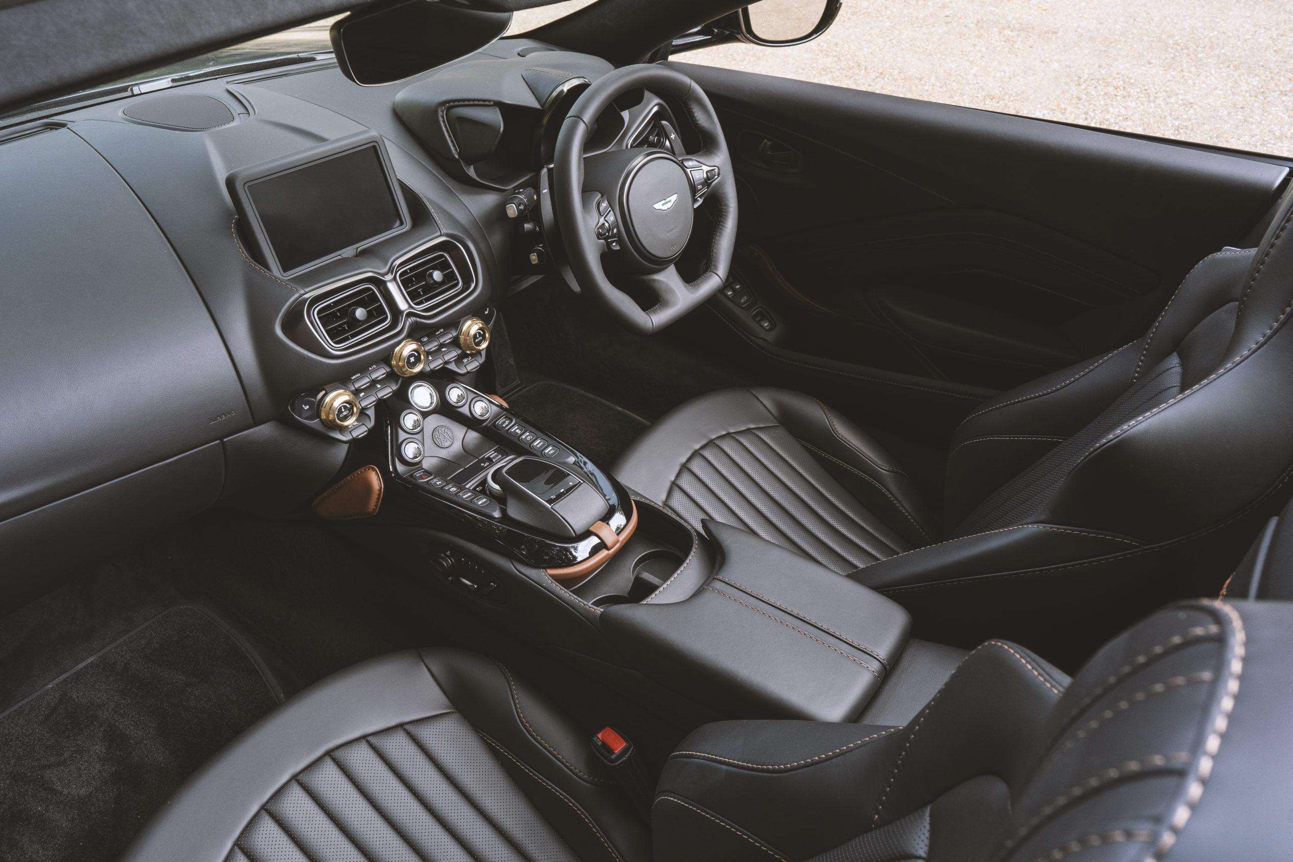 Aston Martin Vantage A3 Roadster Interior