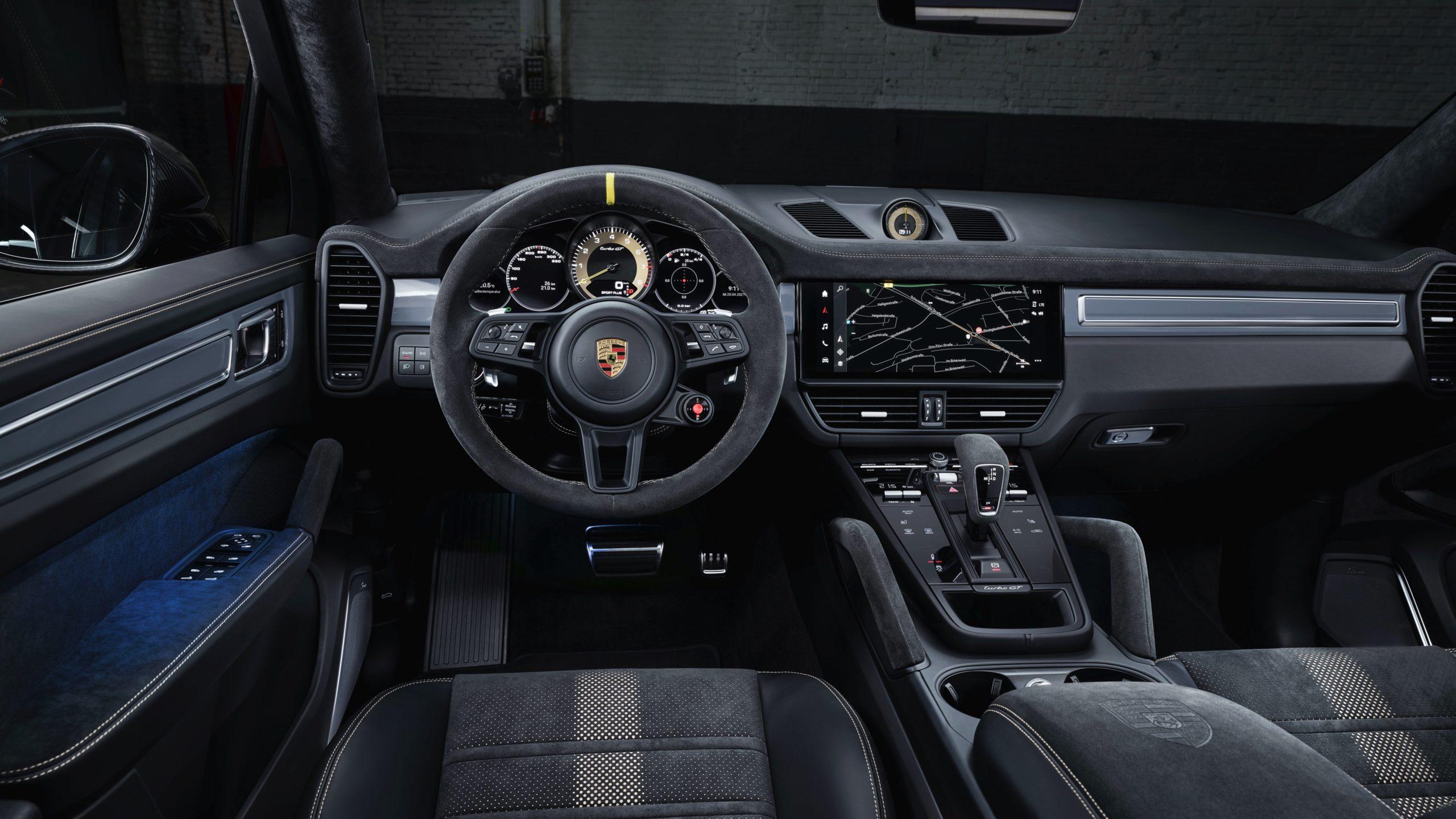 Porsche-Cayenne-Turbo-GT-Interior